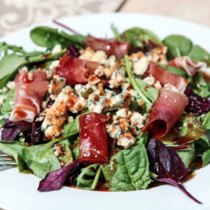 Blue Cheese and Prosciutto Salad