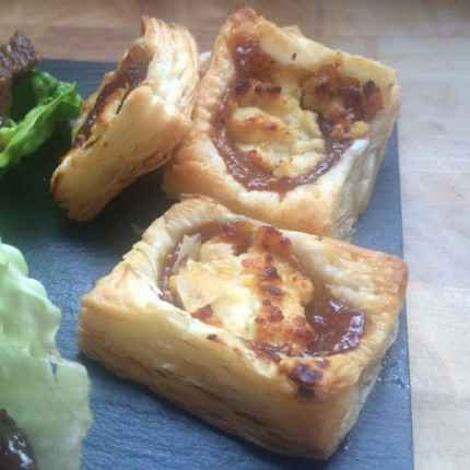 Fig and goats cheese puff pastry pizza bites