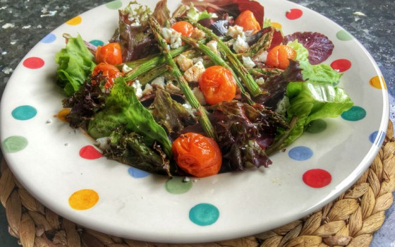 Roasted asparagus and tomato salad with strawberry dressing